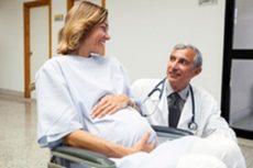 Женщины в инвалидных колясках все чаще решаются на рождение детей