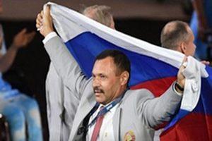 Наших колясочников скрутили, чтобы они не везли российский флаг