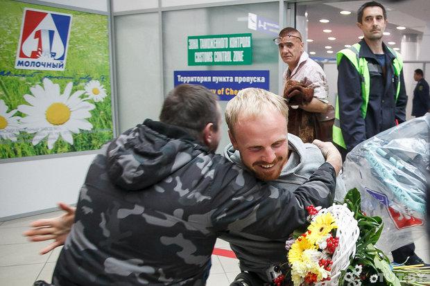 В аэропорту встречали белоруса, проехавшего 4 тысячи километров на хендбайке