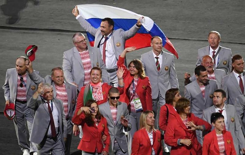 Беларусь пронесла флаг России на церемонии открытия паралимпиады в Рио
