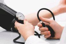 Советы врача: что делать при повышенном давлении