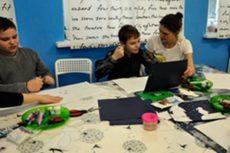 Взяли под крыло творческую мастерскую для детей с аутизмом