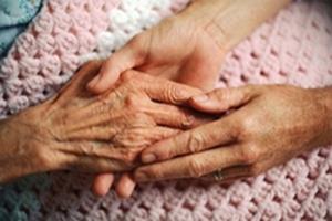 В Беларуси растет численность обслуживаемых на дому пожилых людей и инвалидов