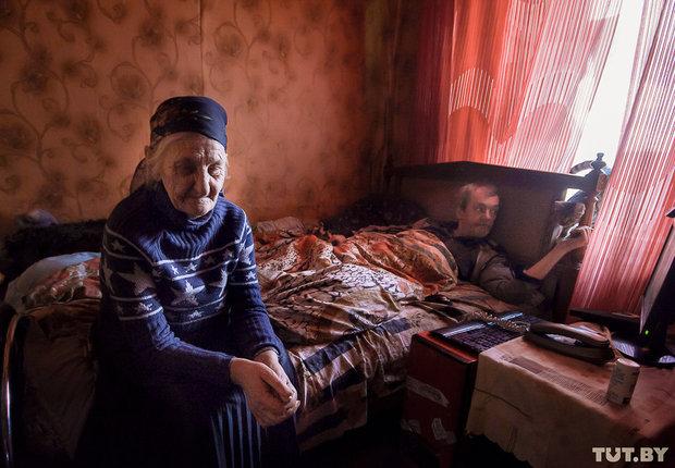 Где деньги взять? Бабушка с сыновьями-инвалидами может остаться без света из-за долга по ЖКУ.