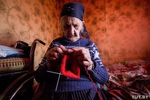 Где деньги взять? Бабушка с сыновьями-инвалидами может остаться без света из-за долга по ЖКУ