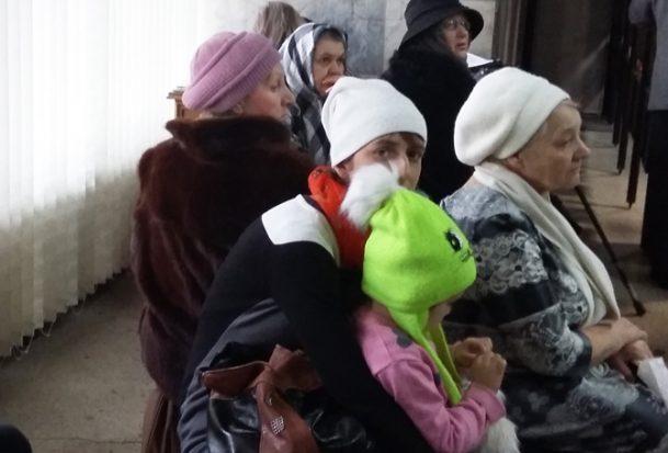 Люди плакали и ругались. Министр здравоохранения провел прием граждан
