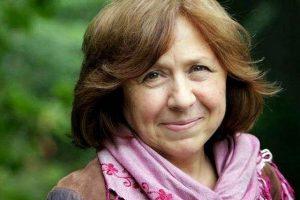 Алексиевич оплатит коммунальные долги женщины-инвалида