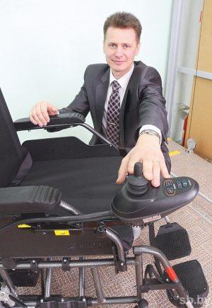 Минск. Протезно-ортопедический востановительный центр. Инвалидная коляска с электроприводом.