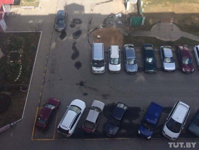 За место для парковки, очерченное желтой краской, Инесса чуть не заплатила штраф.
