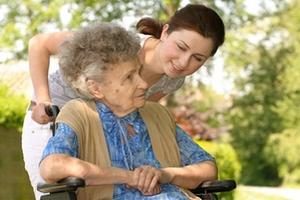 В Беларуси появятся замещающие семьи для пожилых и инвалидов