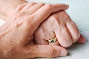 В Беларуси разрабатывается положение о замещающей семье для стариков