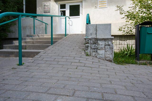 Облегчить жизнь инвалидов-колясочников пообещали в администрации Фрунзенского района