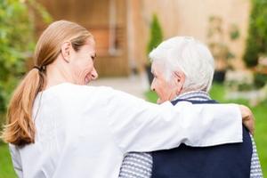 Как семье обезопасить свой дом и помочь близкому с деменцией в нем ориентироваться?