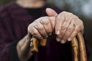 Если бабушка потерялась: как вернуть в нормальную жизнь пожилых людей