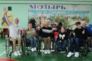 В спартакиаде среди инвалидов-колясочников приняли участие 22 команды из Беларуси и России
