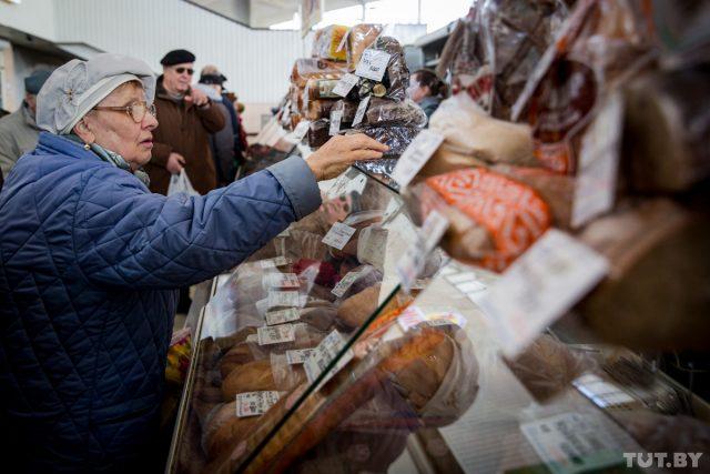 """Совмин определил условия проживания пожилых людей в """"приемных"""" семьях"""