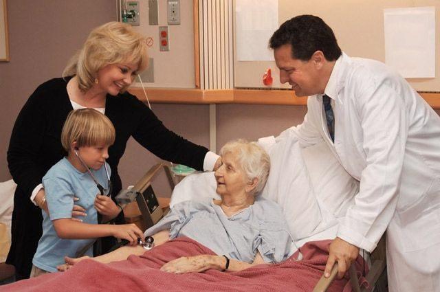 Куда перенаправлять средства для поддержки достойной старости?