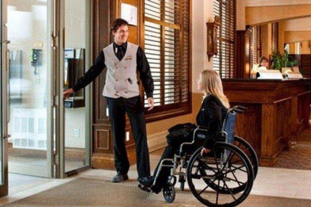 К обслуживанию людей с инвалидностью готовы более 60 % столичных гостиниц