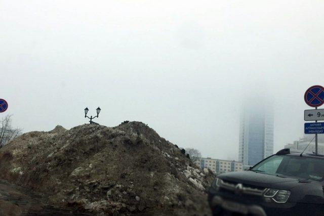 В Троицком предместье Минска парковку для инвалидов завалили снегом – пришлось вмешаться прокуратуре