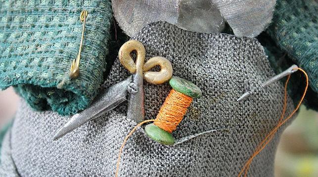 В Новолукомле инвалиды обучаются мастерству создания интерьерных кукол