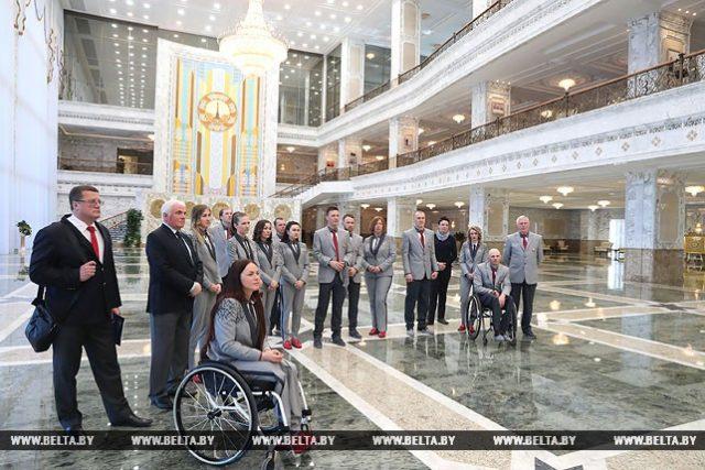 Для участников мероприятия также была организована экскурсия по Дворцу Независимости