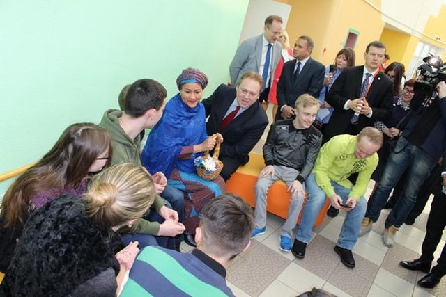 Выпускники реабилитационного центра для детей-инвалидов