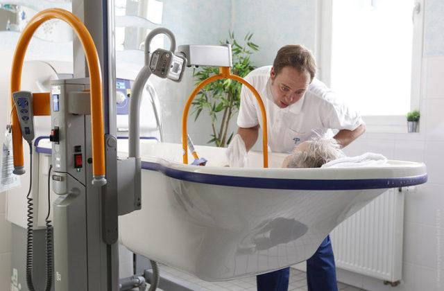 ВГермании 82 млн жителей, 2,9 млн признаны нуждающимися вуходе