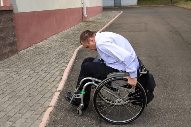В Беларуси введут ответственность за уклонение от обеспечения доступности объектов для инвалидов