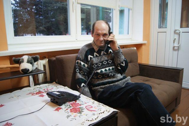 Позвонить родным из Дома 2 можно в любой момент