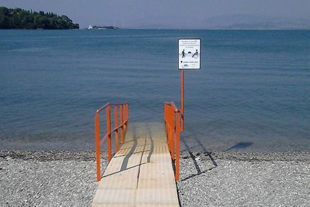 Летом на Минском море появится инклюзивный пляж для инвалидов-колясочников