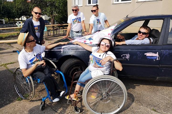 Белорусы с инвалидностью разбивают стереотипы автопробегом по Европе