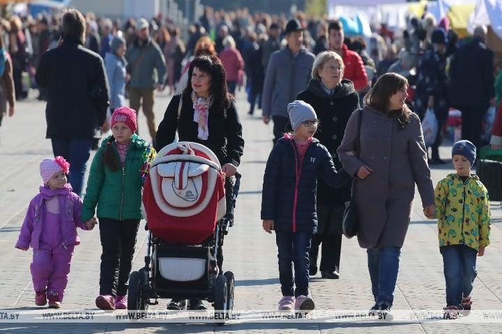 Бесплатные консультации для матерей пройдут 11 октября в Минюсте