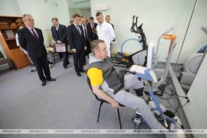 Уделять больше внимания решению проблем инвалидов