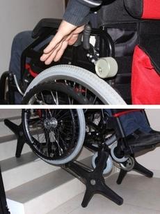 Главным достоинством «Гади-стандарт» является механизм трансформации инвалидной коляски в «ступенькоход»