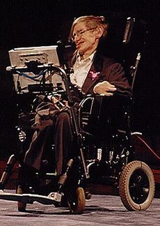 Профессор Стивен Хокинг в электроколяске покрытой мягкой овчиной