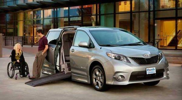 Фургон для инвалидной коляски от Toyota