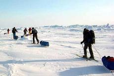 Британские ветераны-инвалиды дошли до Северного полюса