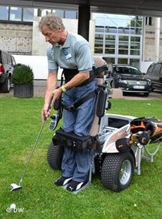 Специализированное инвалидное кресло Paragolfer, представленное компанией Otto Bock
