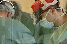 В Бельгии проведена первая пересадка лица