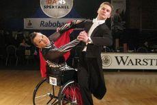 Вальс на коляске - Ирина Можарова и Константин Шейда – Танцы на коляске
