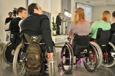 Корректировки в организацию профобучения безработных и занятости инвалидов