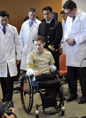Американскому солдату пересадили обе руки