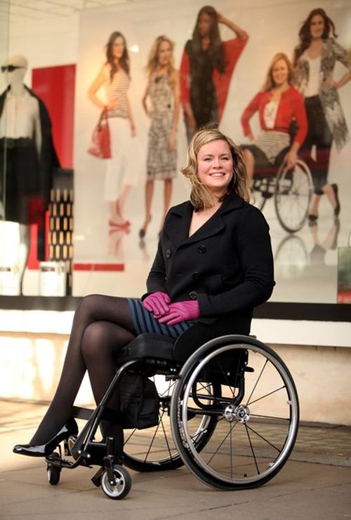 Лицом осенне-зимней коллекции была выбрана парализованная Шаннон Марри, передвигающаяся в кресле-коляске